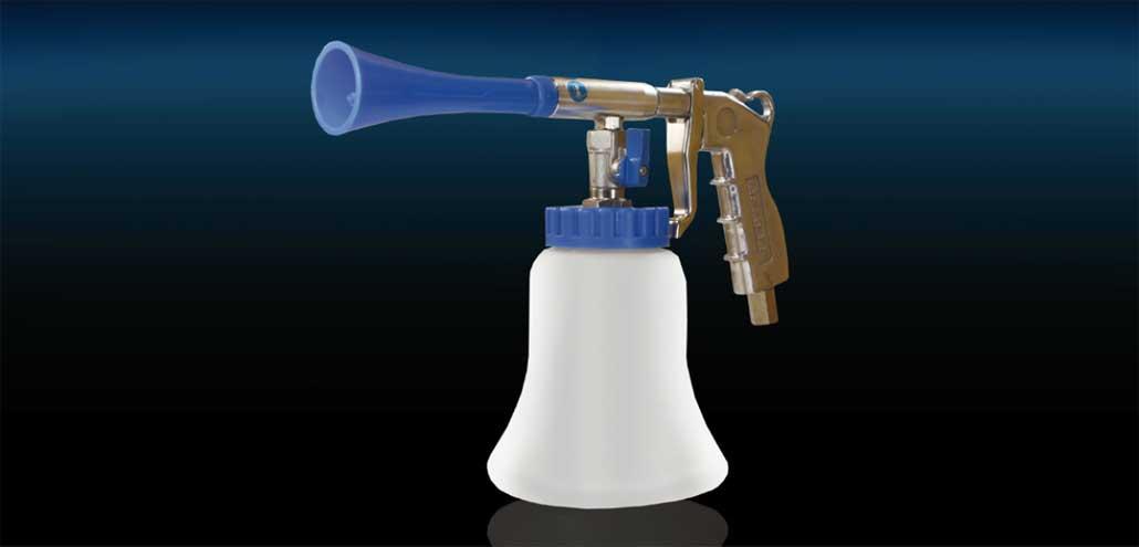 Das Reinigungswunder easyclean365+ Gun für eine professionelle Innen- und Außenreinigung von R+M / Suttner