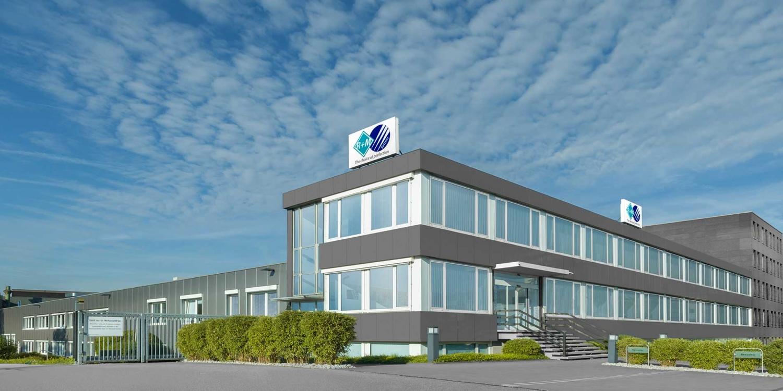 Das Firmengebäude von R+M de Wit aus Velbert